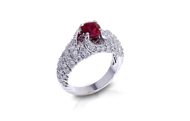 6-anel-de-noivado-rubi-abracado-por-diamantes