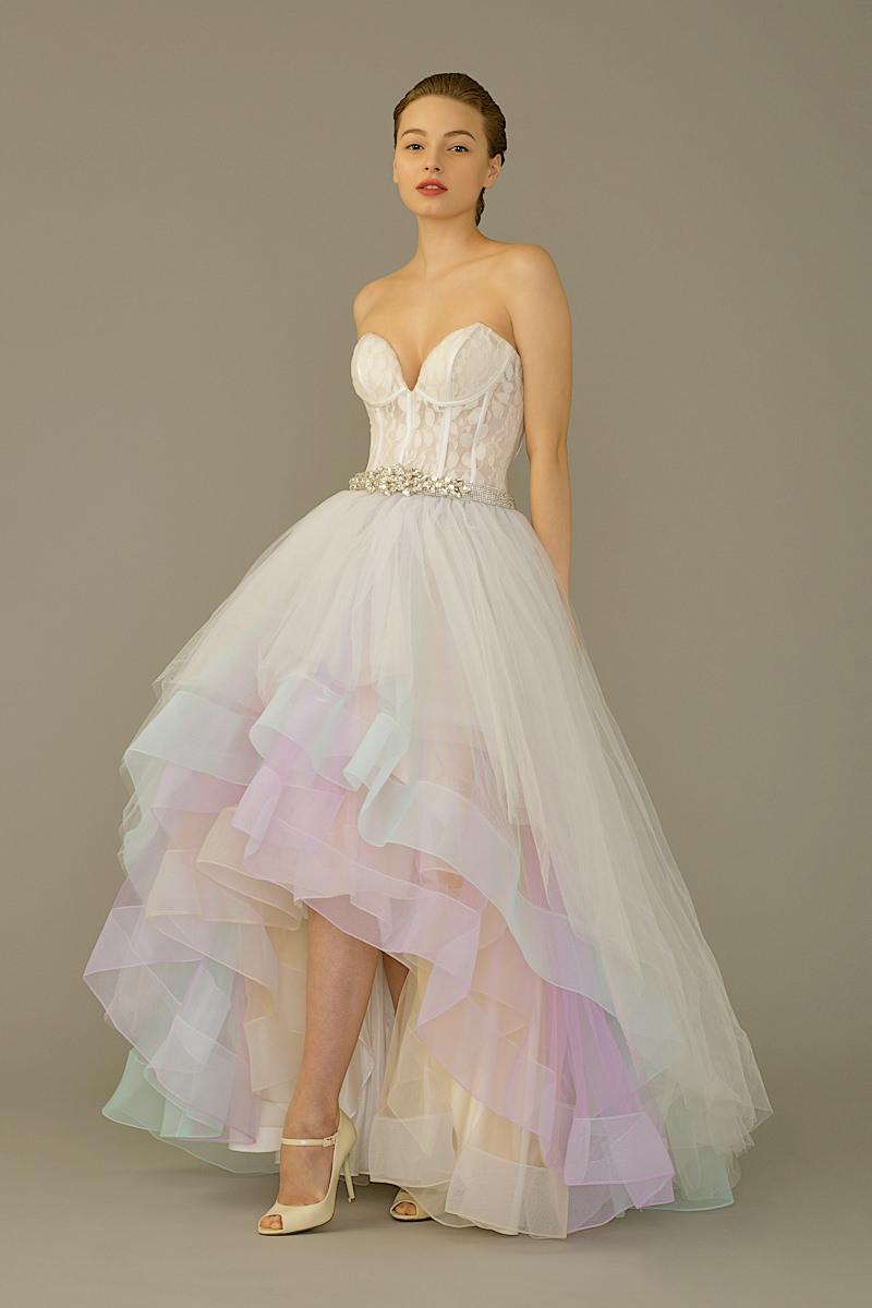 6-tendencia-unicornio-vestidos-de-noiva-nas-cores-do-arco-iris