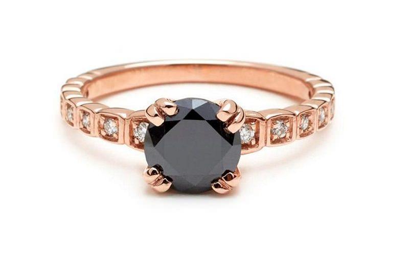 anel-de-noivado-rose-com-diamante-negro-e-diamantes-transparentes