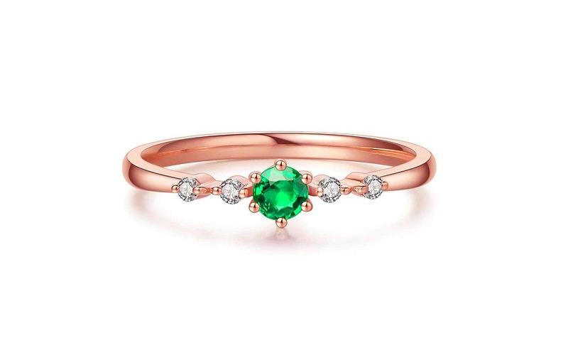 anel-de-noivado-ouro-rose-com-esmeralda-2