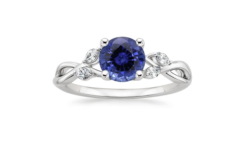 anel-de-noivado-com-pedras-diamantes-e-safira-3