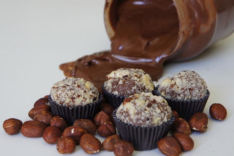 brigadeiros-gourmets-para-mesa-de-doces-casamento-brigadeiro-de-nutella-creme-de-avela