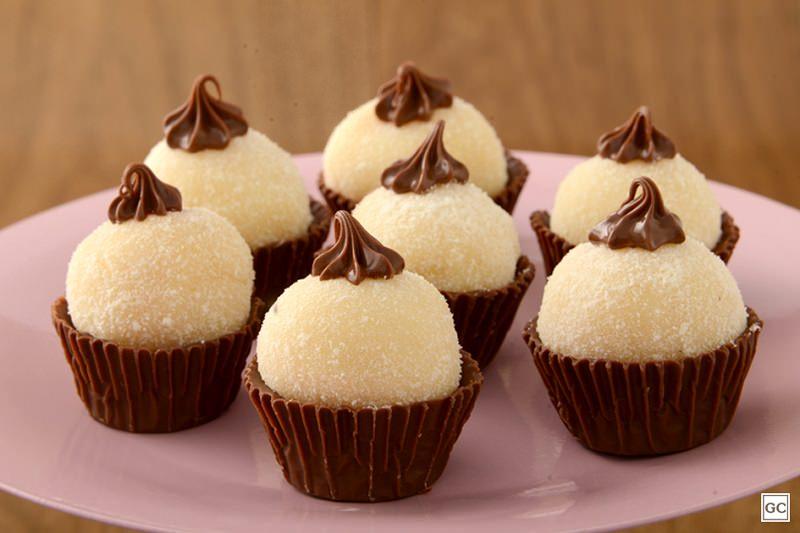 brigadeiros-gourmets-para-mesa-de-doces-casamento-brigadeiro-leite-ninho-com-nutella