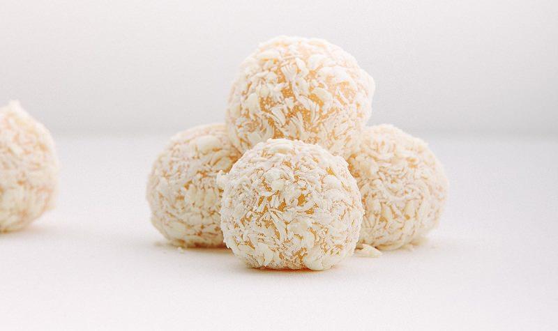 brigadeiros-gourmets-para-mesa-de-doces-casamento-brigadeiro-macadamia