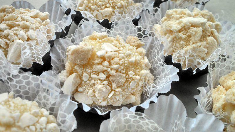 brigadeiros-gourmets-para-mesa-de-doces-casamento-brigadeiro-torta-de-limao