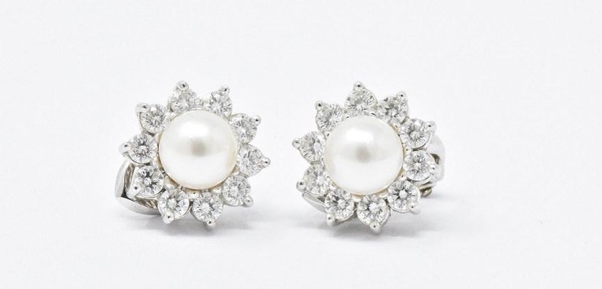 cartier-brincos-delicados-em-ouro-branco-para-seu-casamento-capa