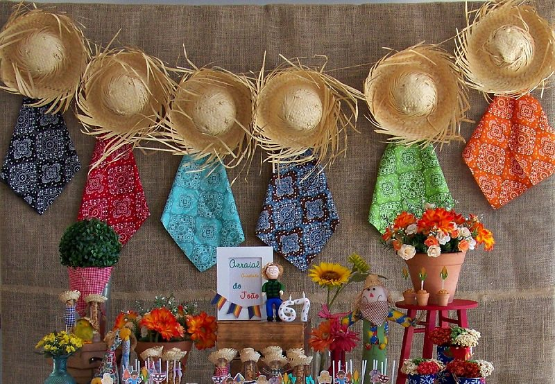 chá-bar-tema-festa-junina-decoracao-de-chapeu