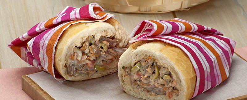 chá-bar-tema-festa-junina-sanduiche-de-carne-louca