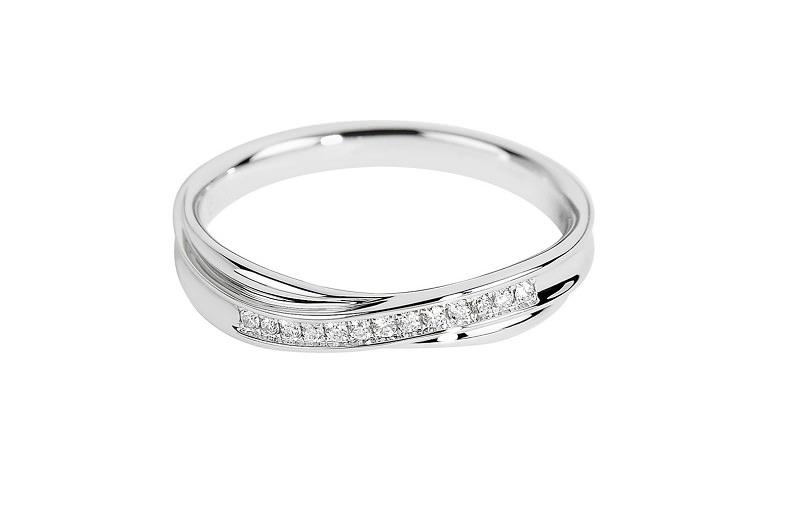 alianca-de-ouro-branco-com-diamantes