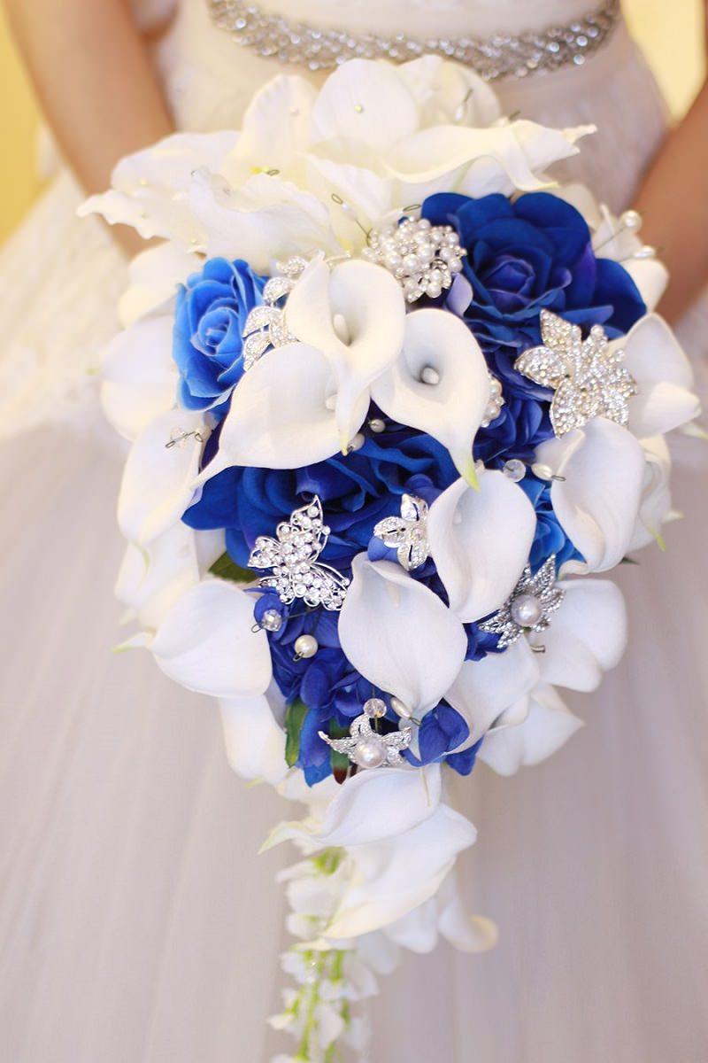 q1-tradicao-de-casamento-itens-azuis-para-atrair-boas-energias-buque-azul-e-branco