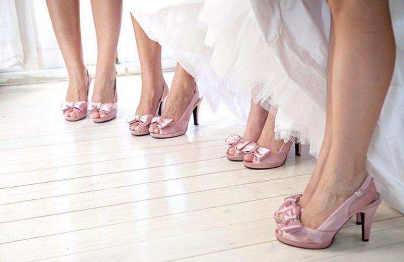 sapatos-padronizados-para-madrinhas-de-casamento-cor-de-rosa