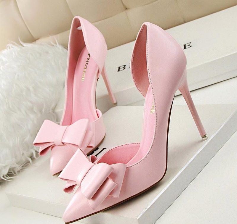 sapatos-rosa-bebe-para-noivas
