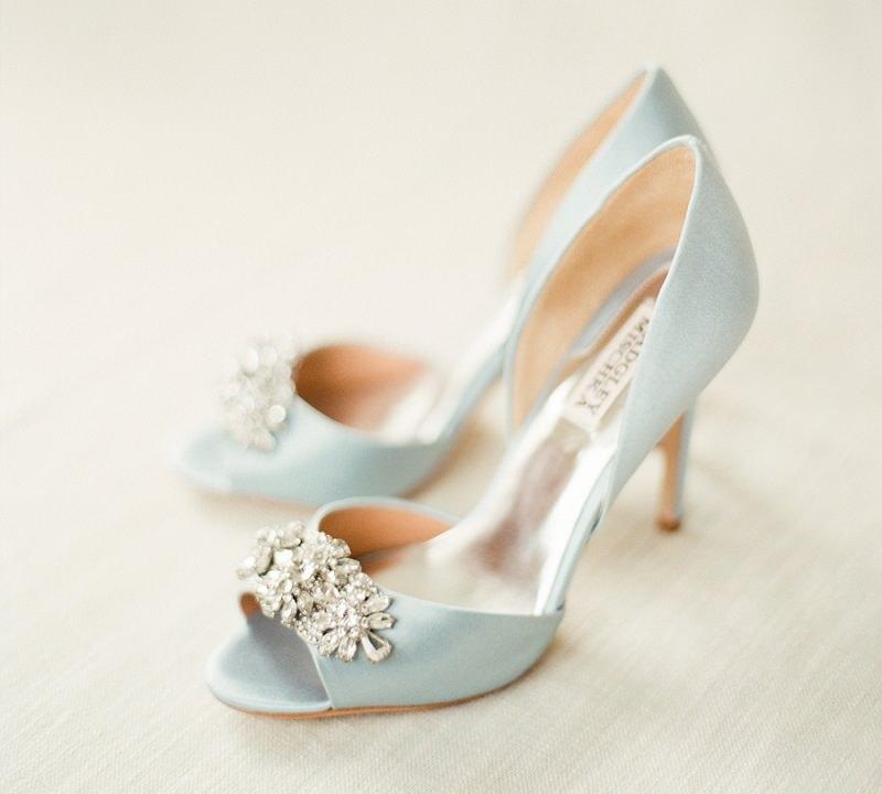 casamento-com-detalhe-sapato-azul-claro