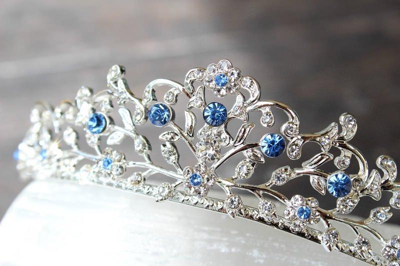 tradicao-de-casamento-coroa-azul