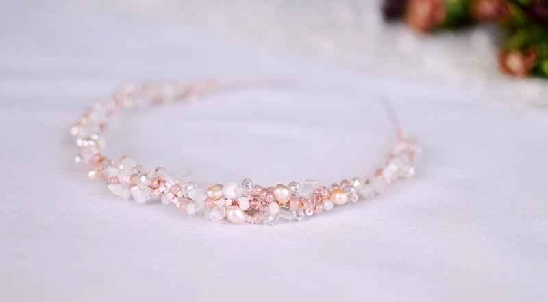 delicada-tiara-de-casamento-rosa