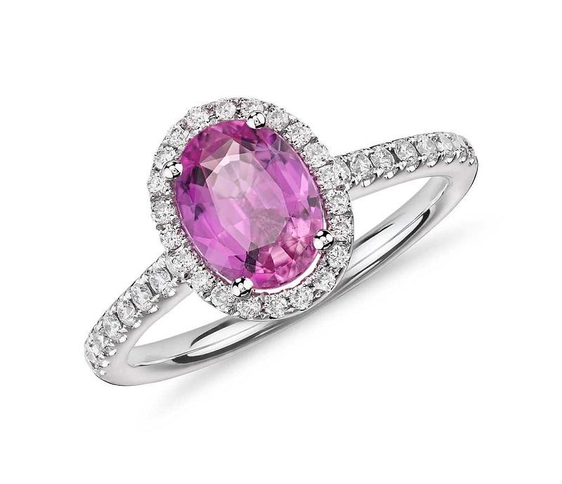 1-anel-de-noivado-com-safira-central-e-diamantes-em-volta