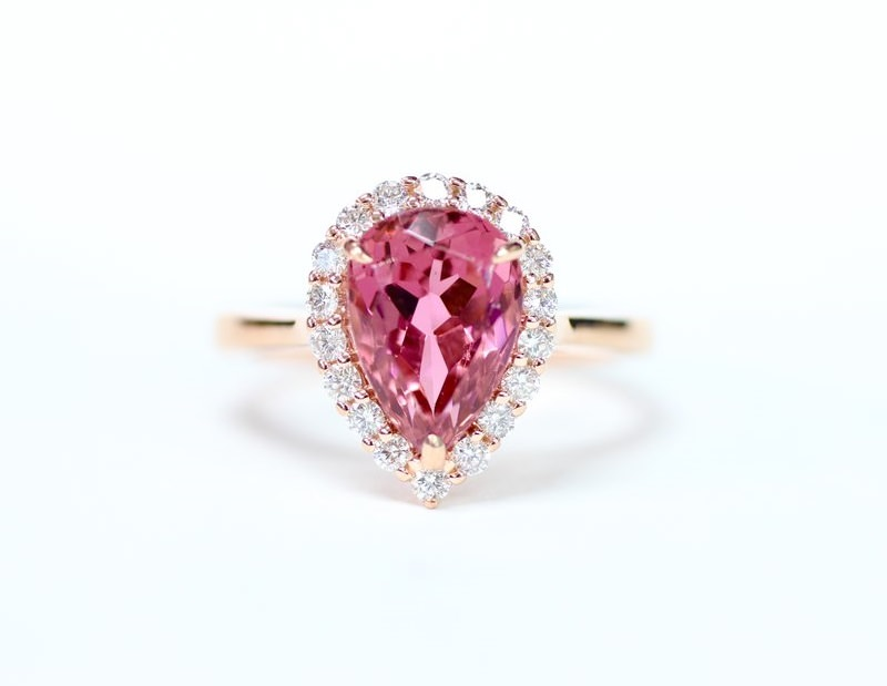 10-anel-de-turmalina-rosa-com-diamantes-gota