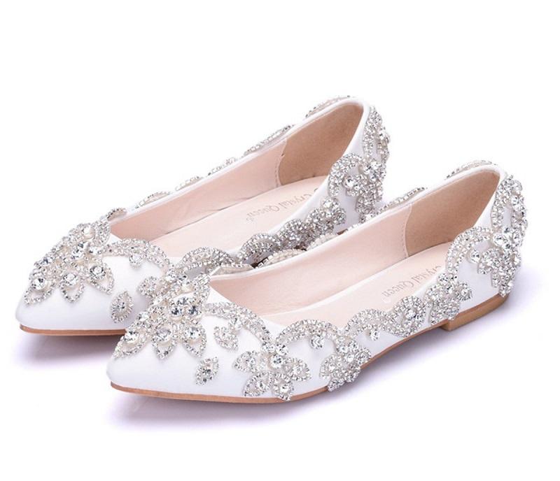 8-sapatilha-de-noiva-bordada-chique