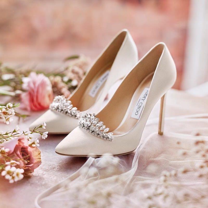 8-sapato-de-noiva-creme-com-detalhe-aplicado-na-frente