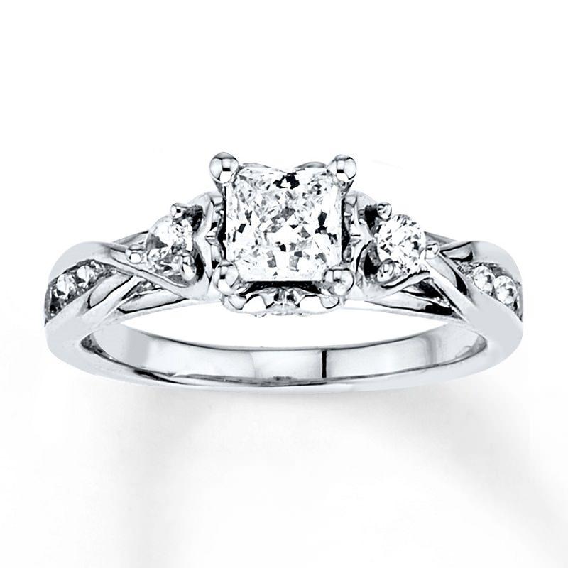 9-anel-de-noivado-detalhado-em-ouro-branco