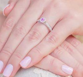 anel-de-noivado-safira-rosa-uni-princess-poesie-capa