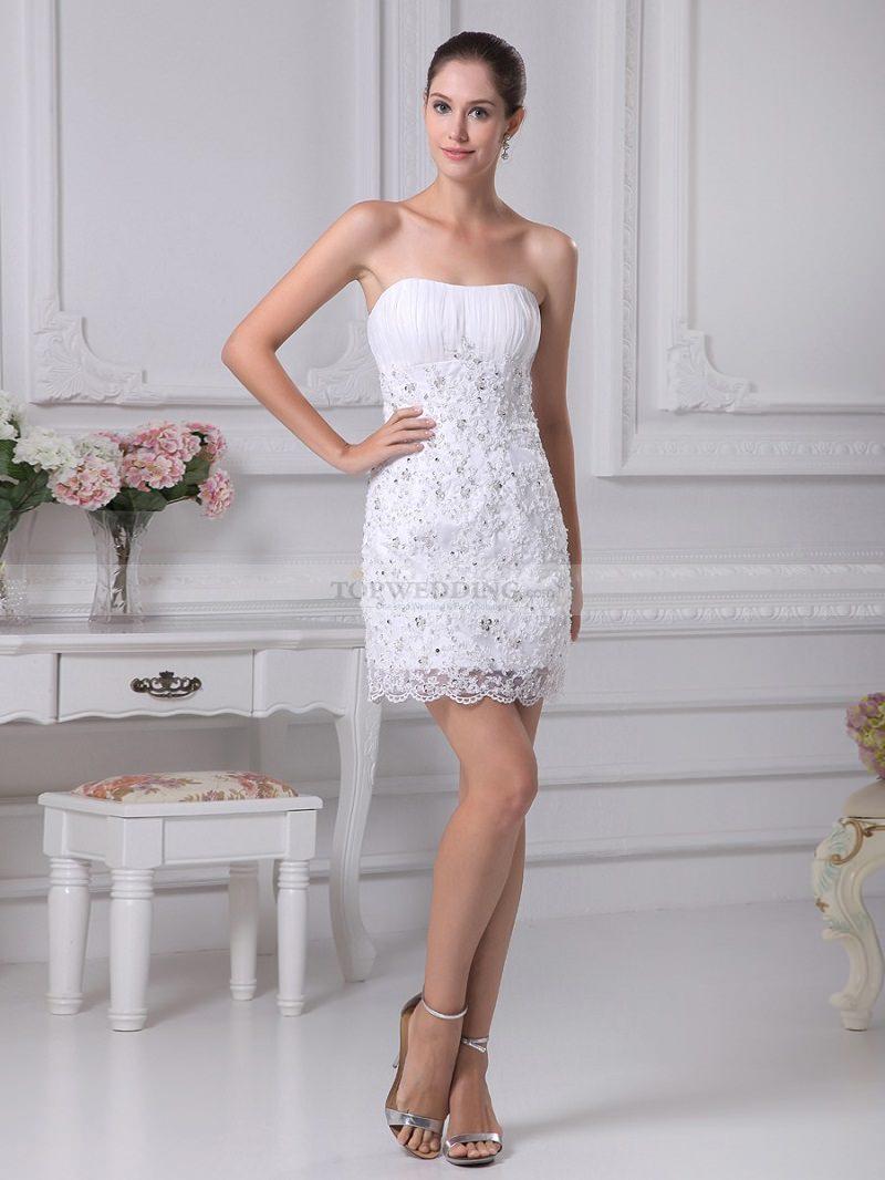 10-vestido-de-noiva-curto-modelo-tubinho-com-rendas-casamento-civil