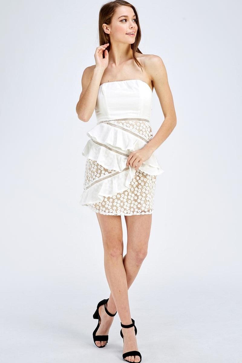 11-vestido-tubinho-casamento-civil-aplicacao-de-detalhes-rendas-babados