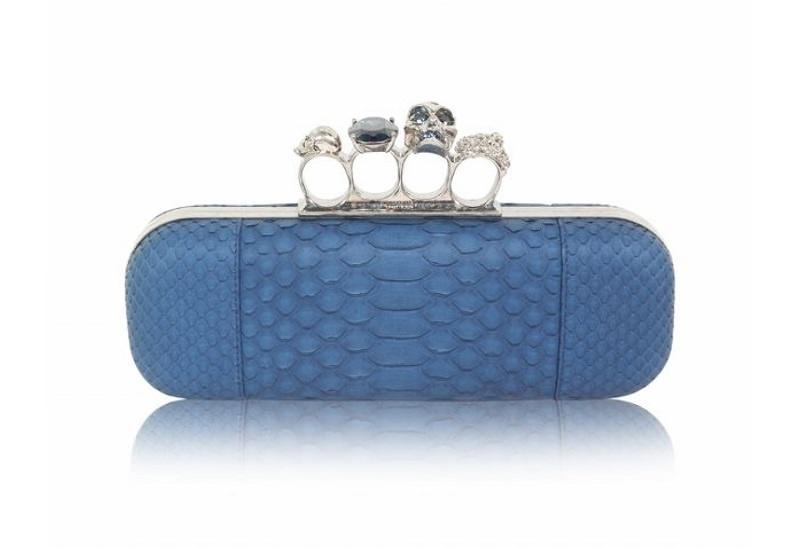 16-bolsa-clutch-alexander-mcqueen-azul-casamento