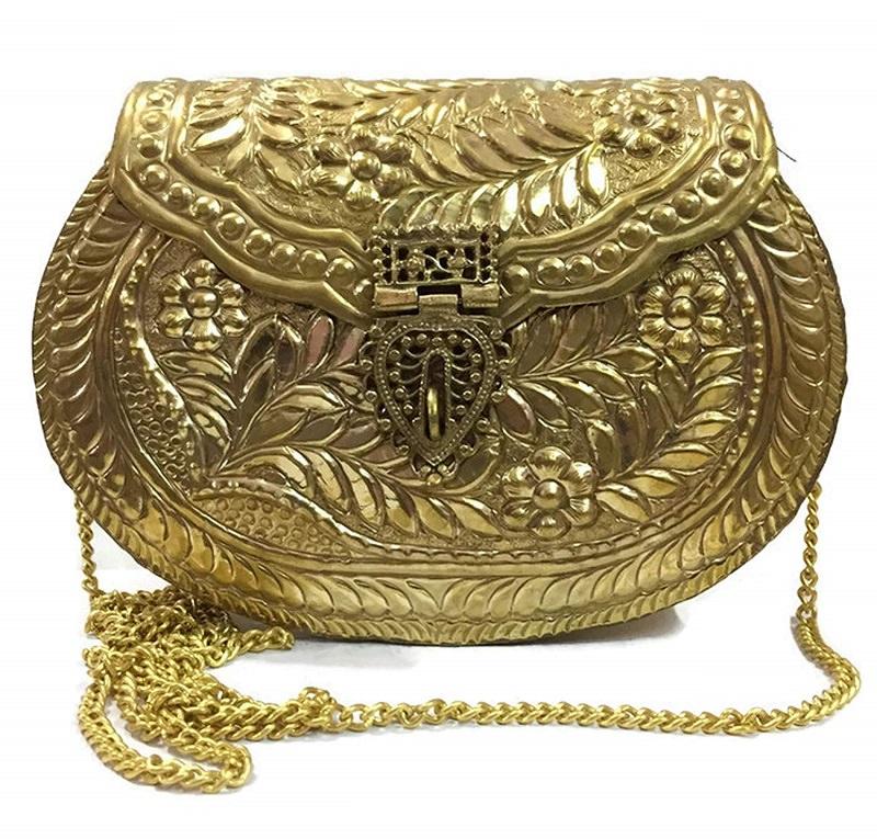 8-bolsa-de-madrinha-de-casamento-dourada-metalica