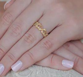 alianca-de-casamento-nao-tradicional-para-noivas-diferentes-ouro-amarelo-poesie