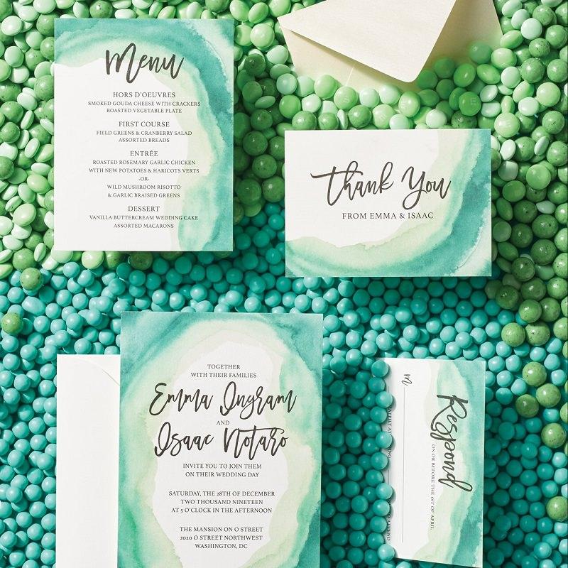 1-convite-de-casamento-com-detalhes-em-verde