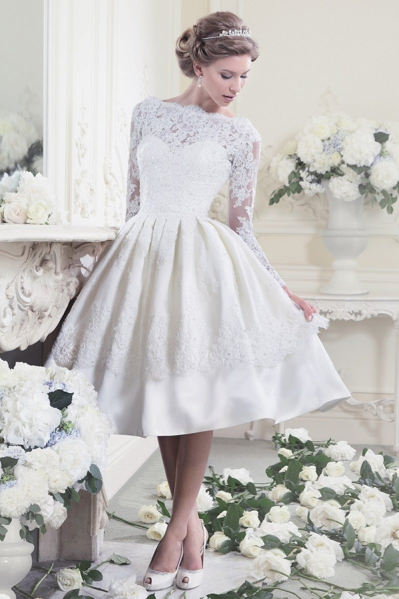 11-vestido-de-noiva-rodado-com-detalhes-em-rendas-decada-de-50-vintage