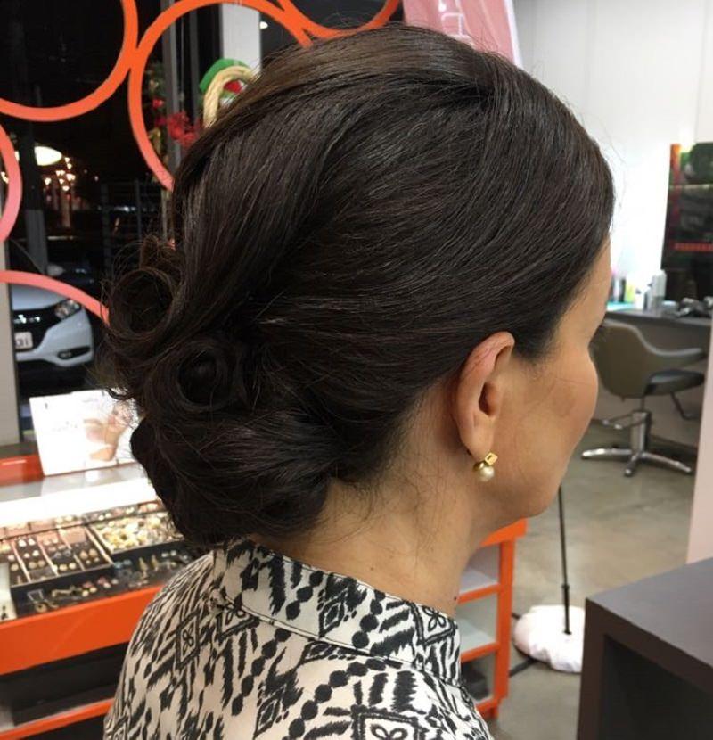 16-penteado-de-casamento-para-mae-da-noiva-tradicional-coque-baixo