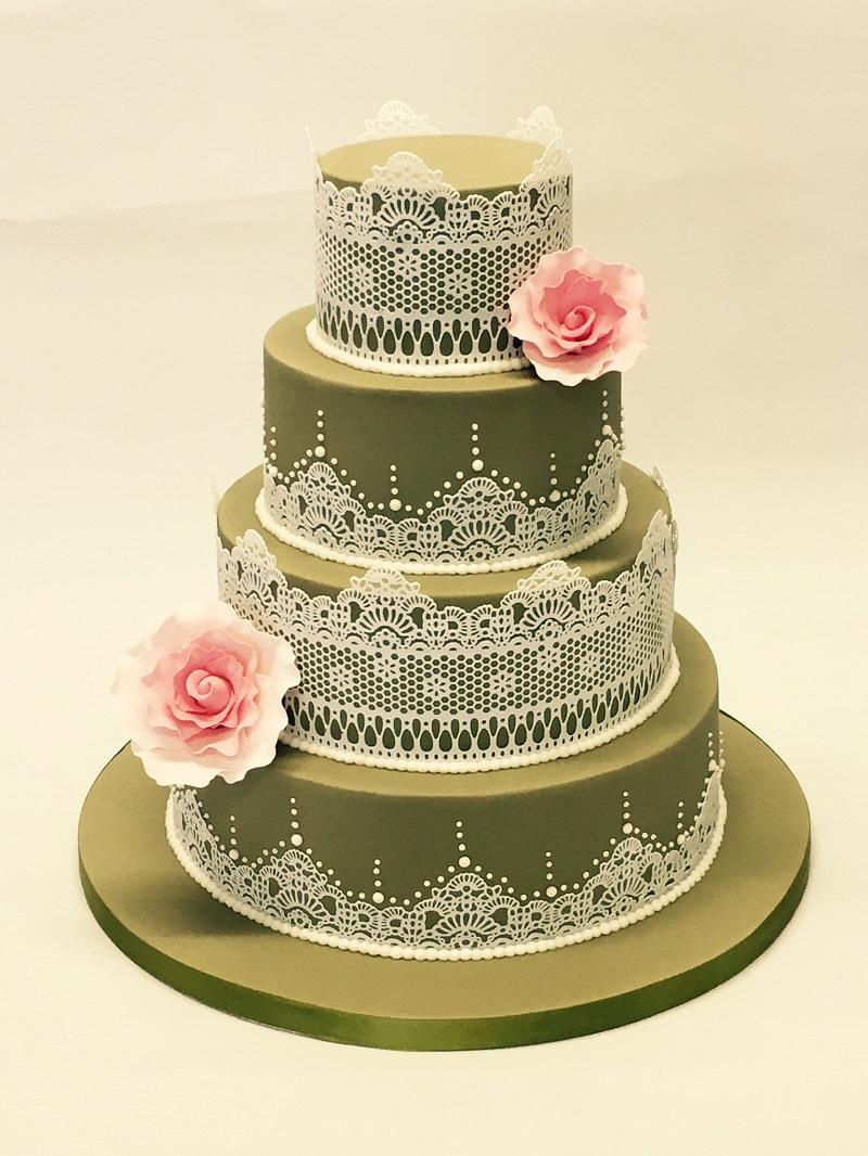 17-bolo-de-casamento-verde-musgo-com-detalhes-de-flores