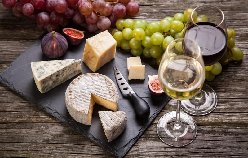 3-queijos-e-vinhos-e-frutas-casamento-recepcao