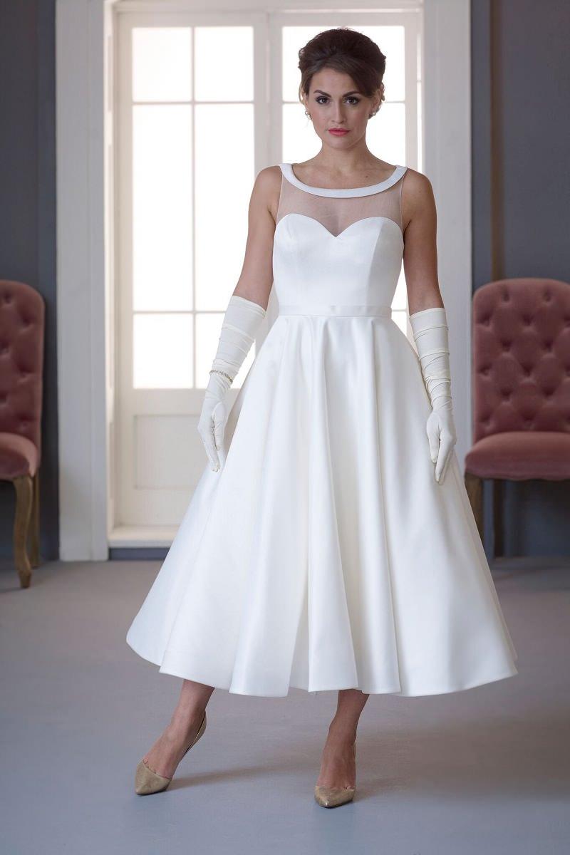 6-vestido-de-noiva-branco-com-detalhe-de-luvas-anos-50