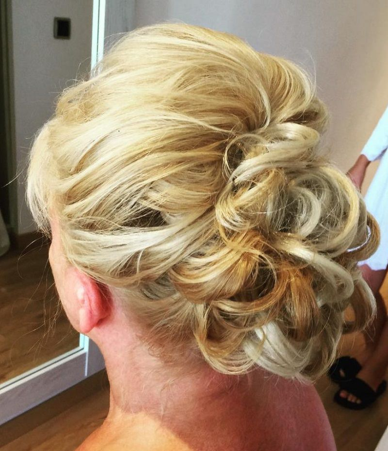 7-penteado-de-casamento-para-mae-da-noiva-loira