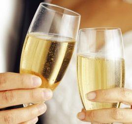 brinde-champanhe-casamento-espumante-noite-de-nupcias-casa-capa