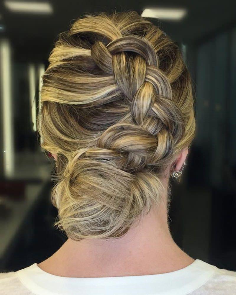 penteado-casamento-com-tranca-lateral-mae-da-noiva