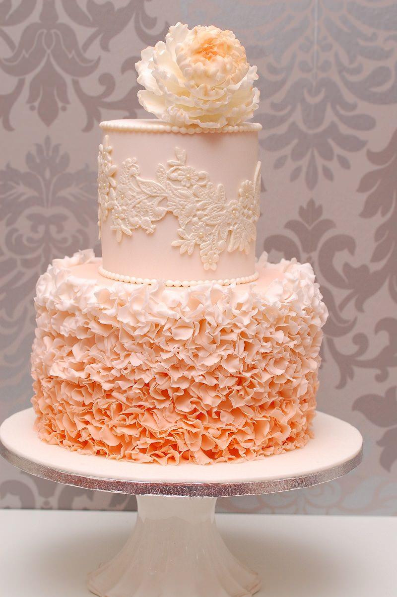 1-bolo-de-casamento-detalhes-em-laranja