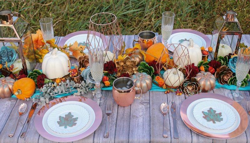 4-decoracao-com-referecia-de-outono-laranja-mesa-convidados
