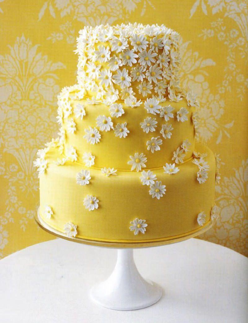 1-bolo-de-casamento-amarelo-e-branco