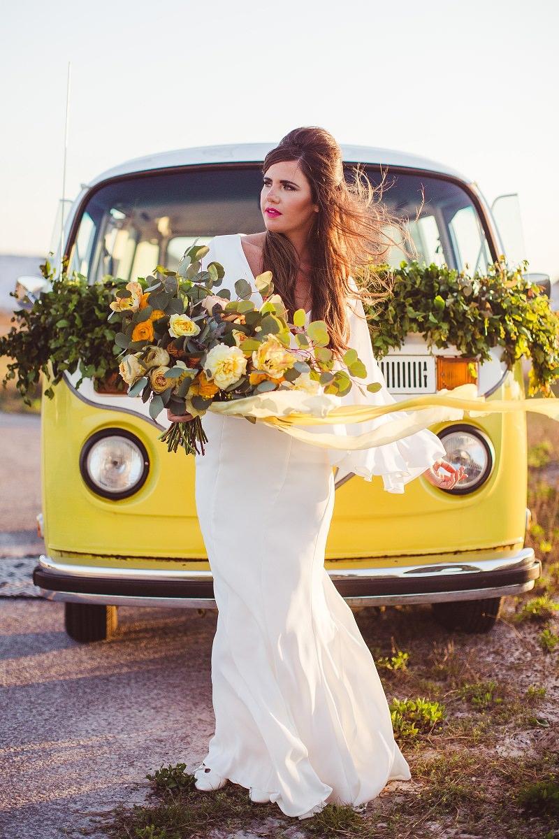 1-carro-da-noiva-perua-amarela