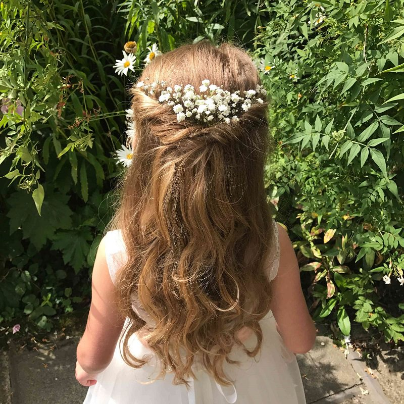 10-penteado-de-dama-de-honra-com-flores-naturais