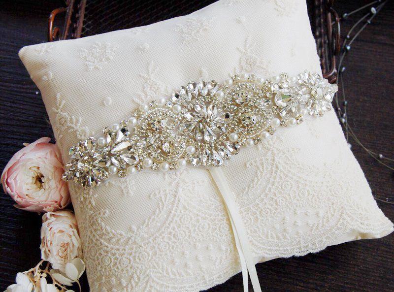 12-amofada-de-casamento-bordada-com-cristais