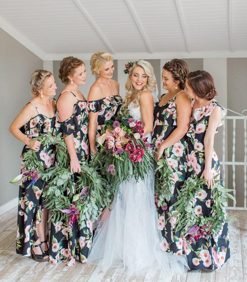14-vestido-de-madrinha-preto-estampado-flores