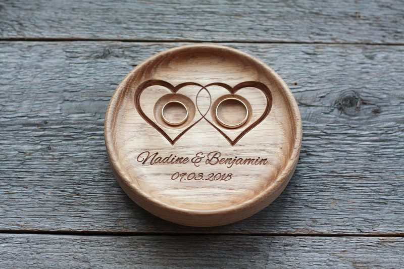 18-madeira-esculpida-personalizada-alianca-noivos-casamento
