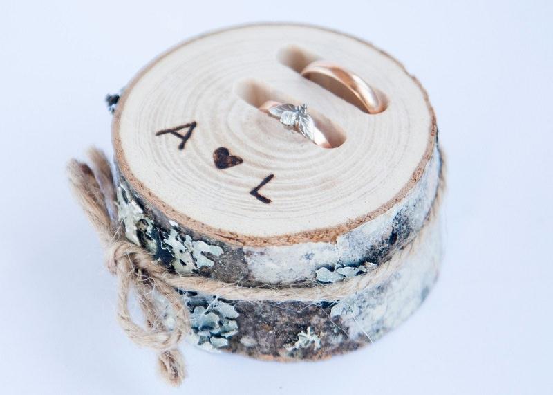 2-aliança-altar-noivos-madeira
