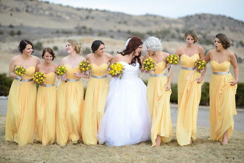 2-madrinhas-de-casamento-amarelo-claro