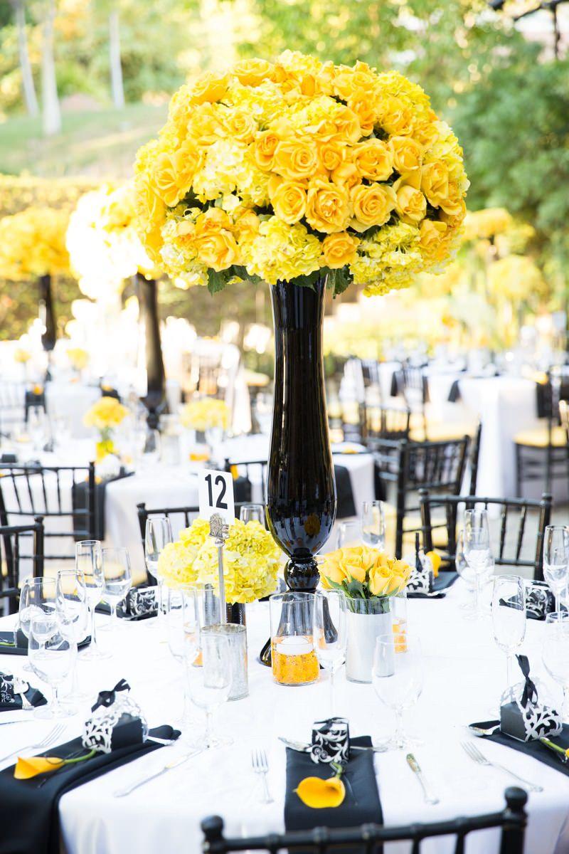 5-arranjo-central-mesa-convidados-casamento-amarelo